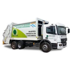Camión con caja compactadora
